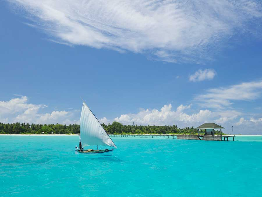 Hotel Holiday Island Resort & Spa Malediven 3 Sterne