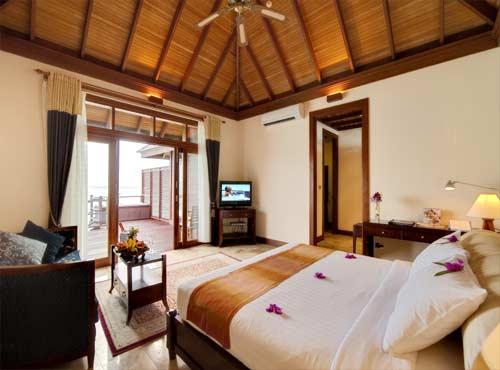 hotel olhuveli beach spa resort malediven 5 sterne. Black Bedroom Furniture Sets. Home Design Ideas